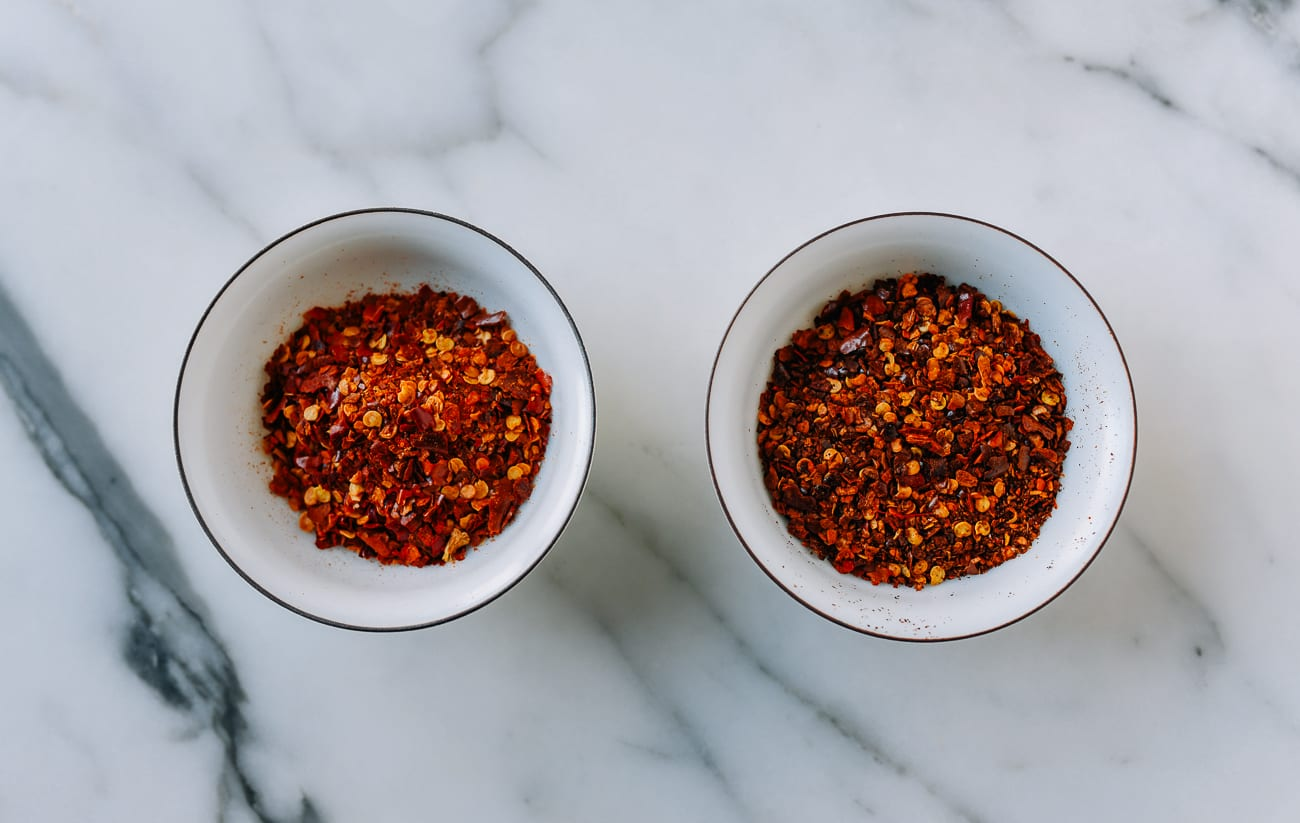 Chili flakes before and after wok roasting