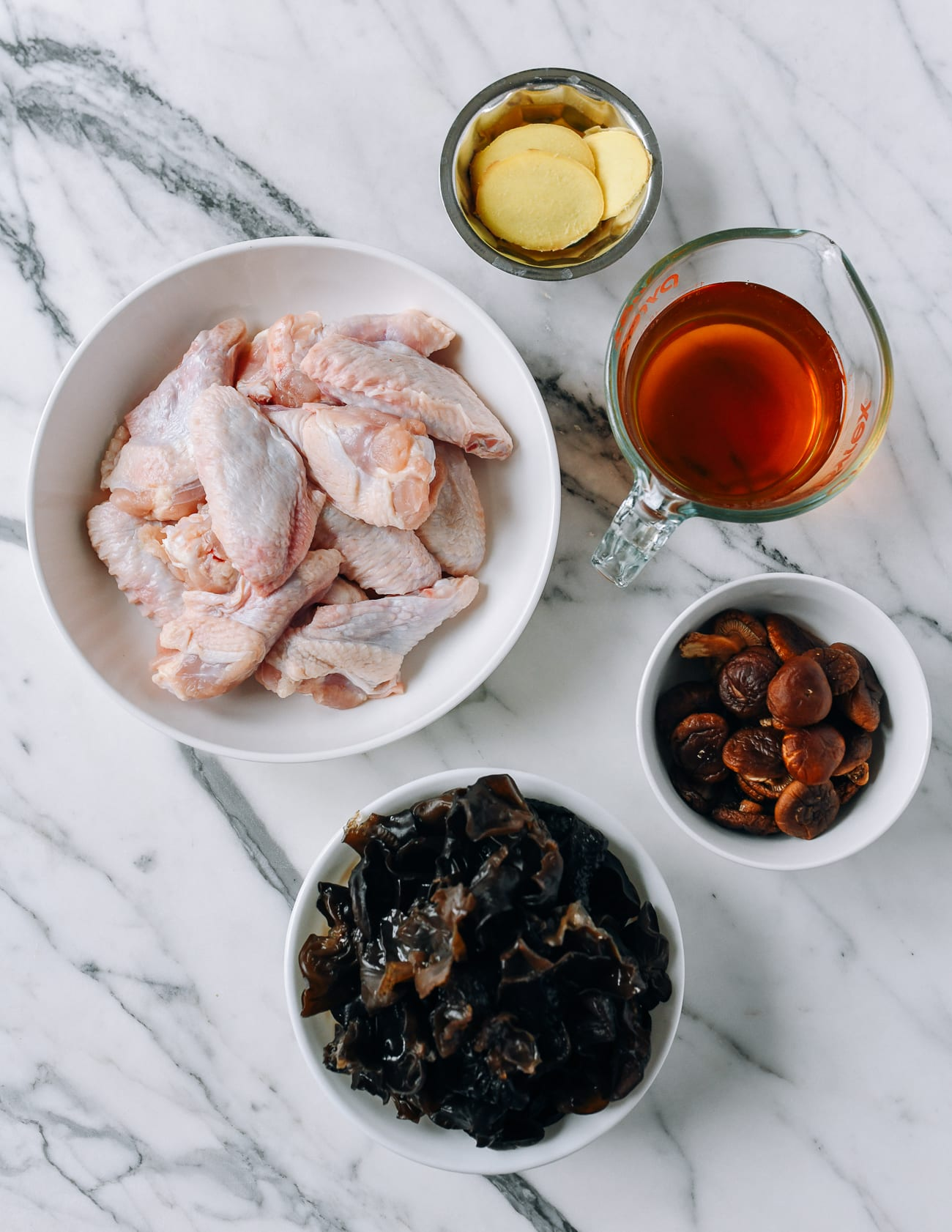 Ingredients for Chinese braised chicken and mushrooms