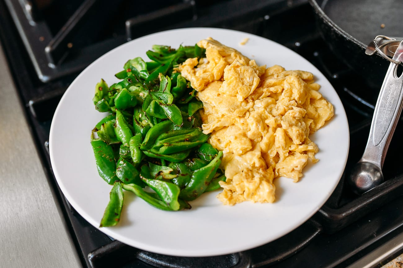 Plate with peppers and scrambled eggs