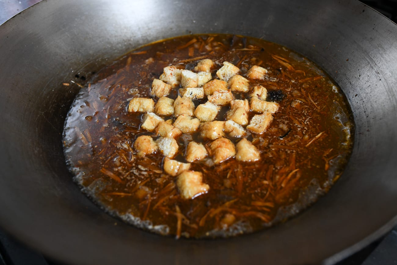 Adding soy puffs to soup