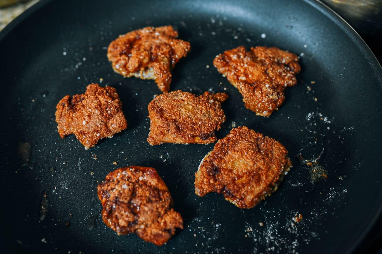 Pan-frying chicken