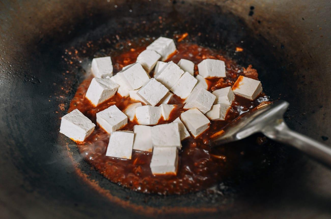 Tofu cubes in sauce
