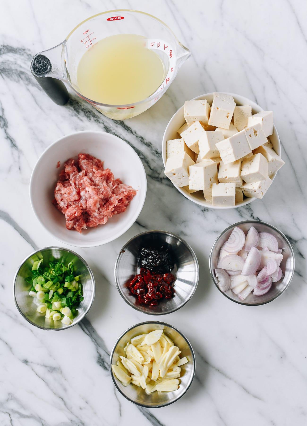 Ingredients for spicy garlic tofu