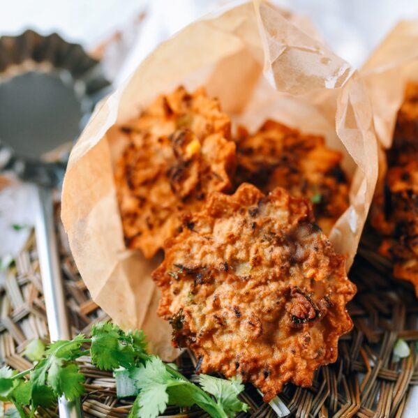 You Dunzi (Chinese Fried Radish Cake), thewoksoflife.com