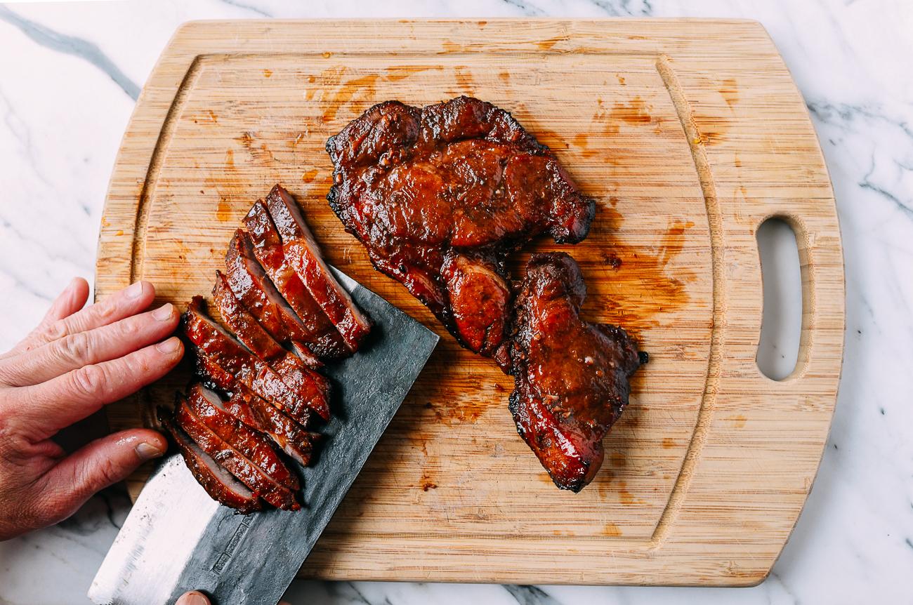 Slicing boneless pork ribs
