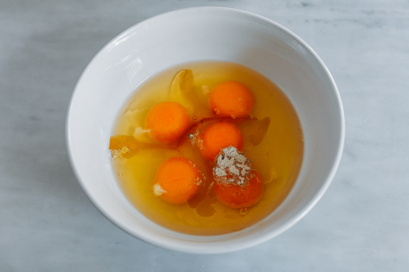 Eggs with sesame oil, salt, and white pepper