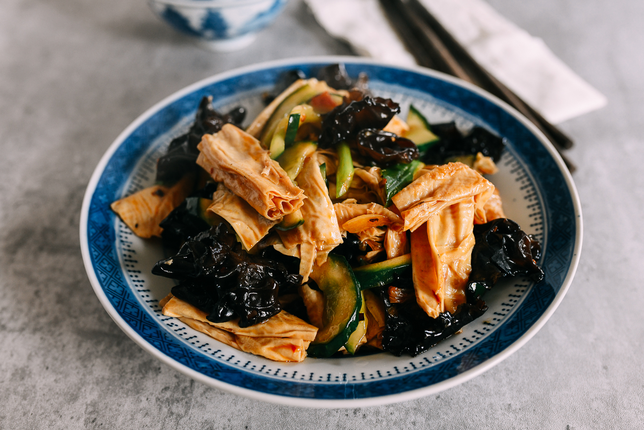 Stir-fried Cucumbers with Wood Ears and Bean Threads
