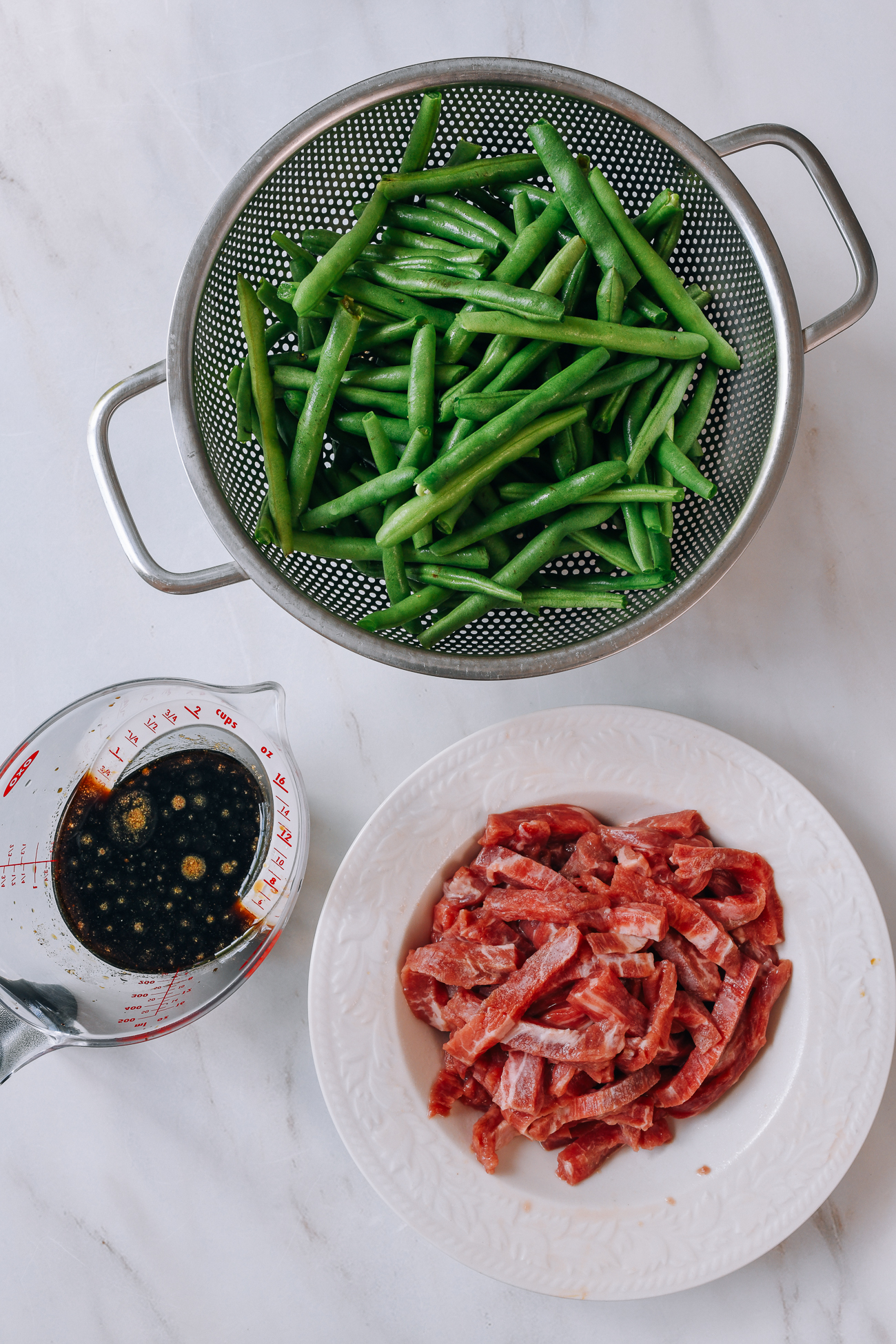 String Beans, sauce mixture, and marinated beef