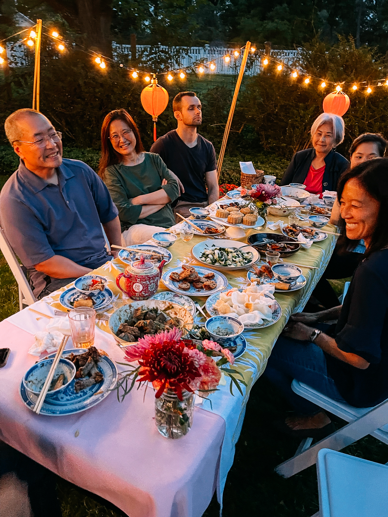 Woks of Life family celebrating mid-autumn festival