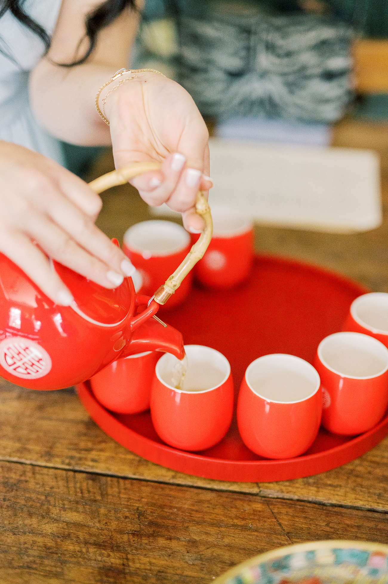 Pouring tea for Chinese wedding tea ceremony